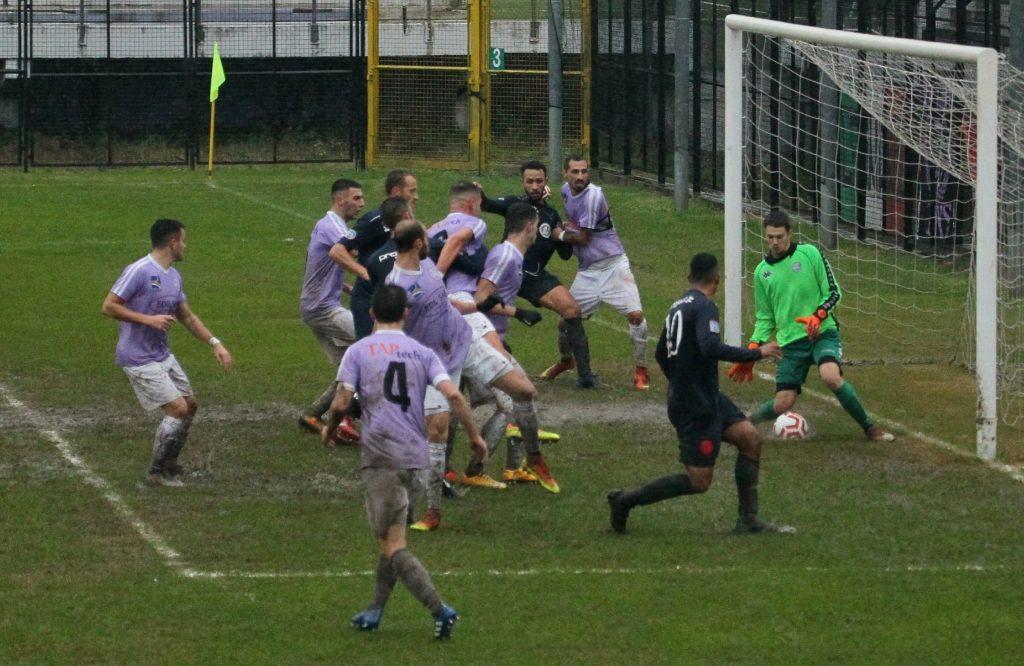 Nella palude di Legnano secondo ko per la Virtus Ciserano Bergamo (2-1): rossoblù generosi, ma non basta