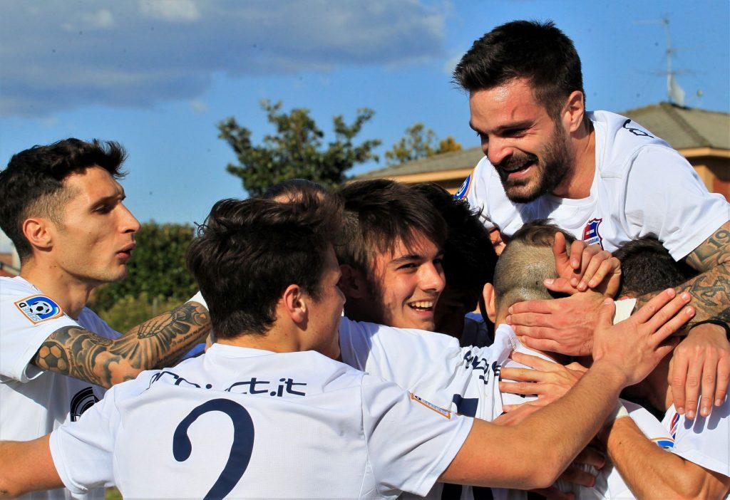 Video e photogallery: vittoria nel derby contro il Brusaporto (4-0), gran momento dei ragazzi di Del Prato