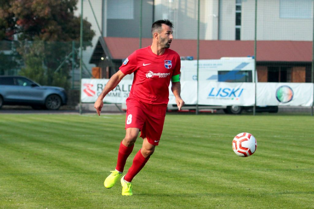 Leonardo Muchetti ancora in rossoblù: confermato il capitano della Virtus Ciserano Bergamo