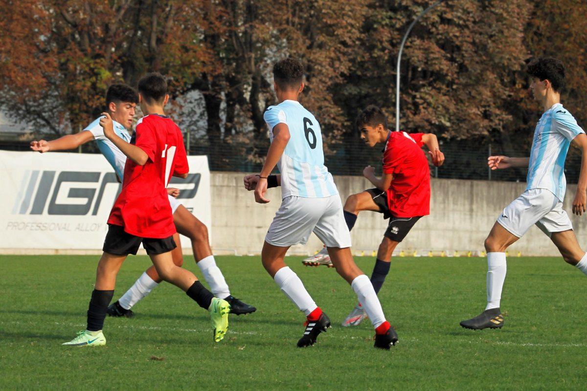 Under 14 Virtus Ciserano Bergamo al Carillo nella sfida contro la Juvenes Gianni Radici